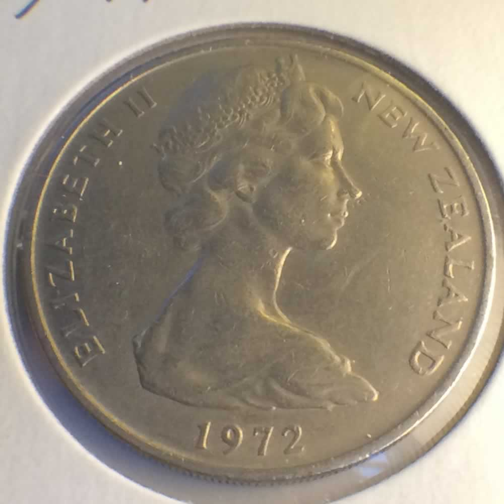 New Zealand 1972  20 Cents Kiwi Coin ( 20C ) - Obverse