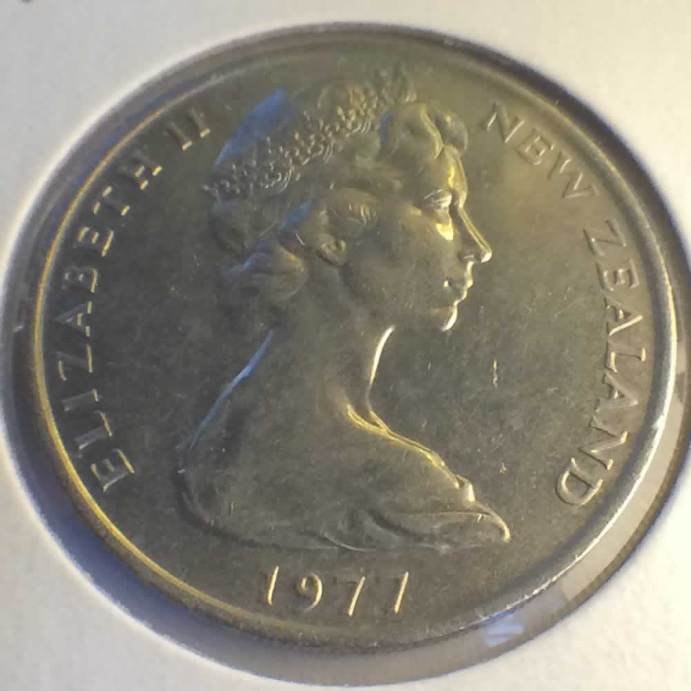 New Zealand 1977  20 Cents Kiwi Coin ( 20C ) - Obverse