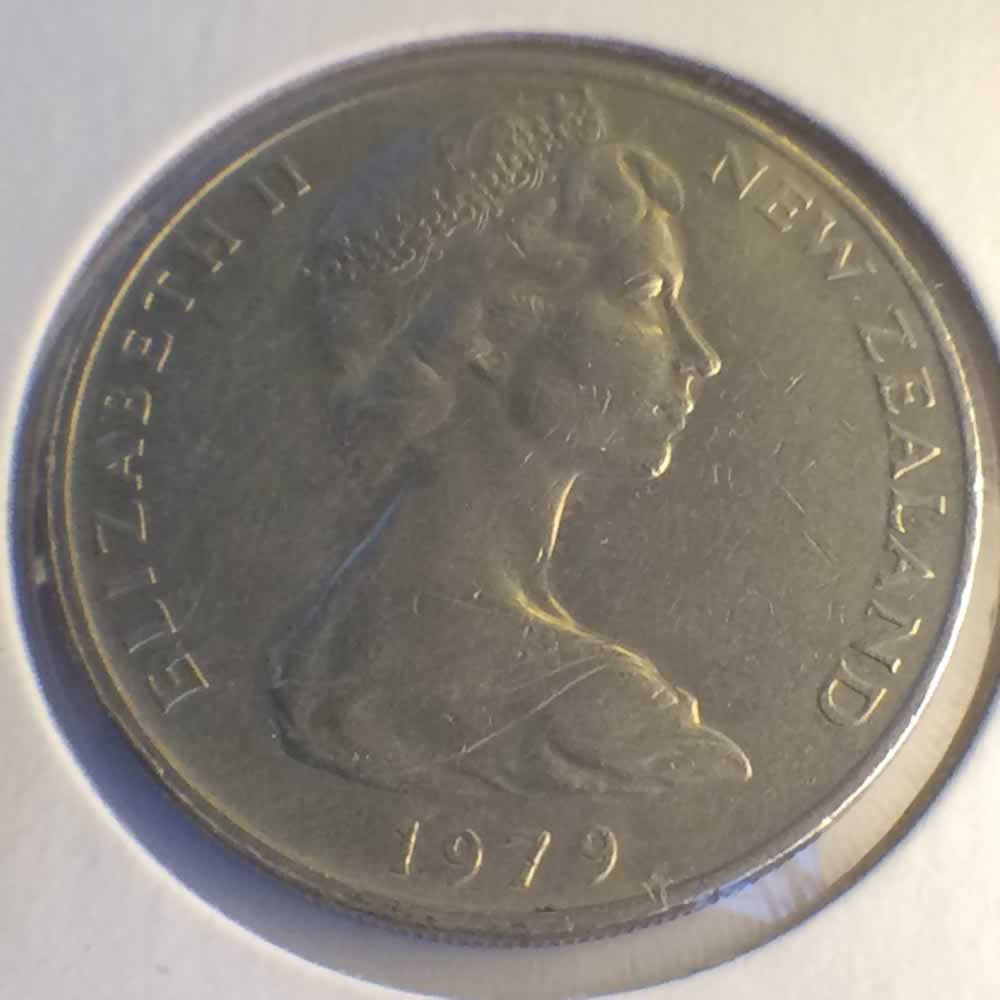 New Zealand 1979  20 Cents Kiwi Coin ( 20C ) - Obverse