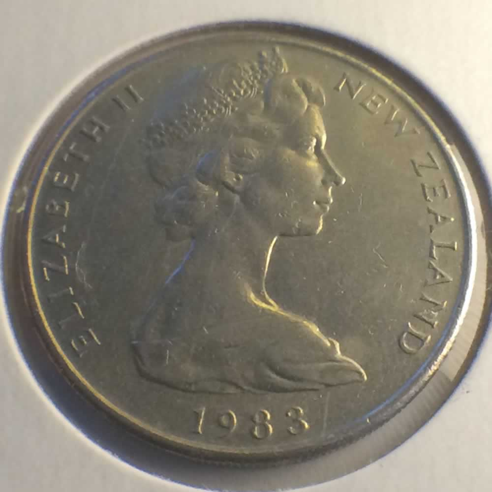 New Zealand 1983  20 Cents Kiwi Coin ( 20C ) - Obverse